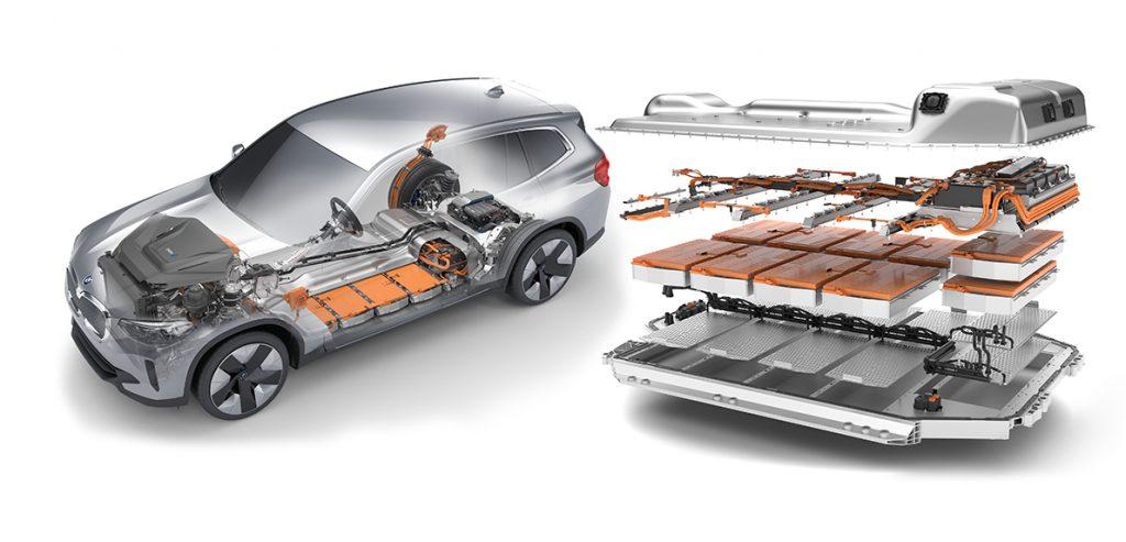 Baterie mohou být nabíjené maximálním výkonem 150 kW. Nabití z 0 na 80 % kapacity podle automobilky zabere 34 minut