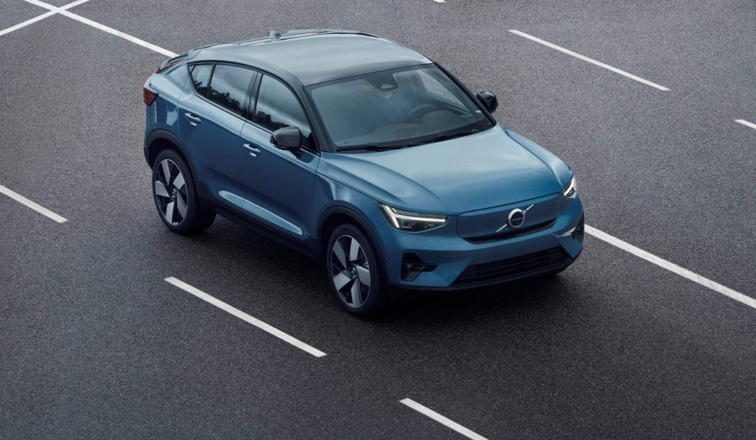 Volvo C40 Recharge je druhým elektromobilem švédské značky