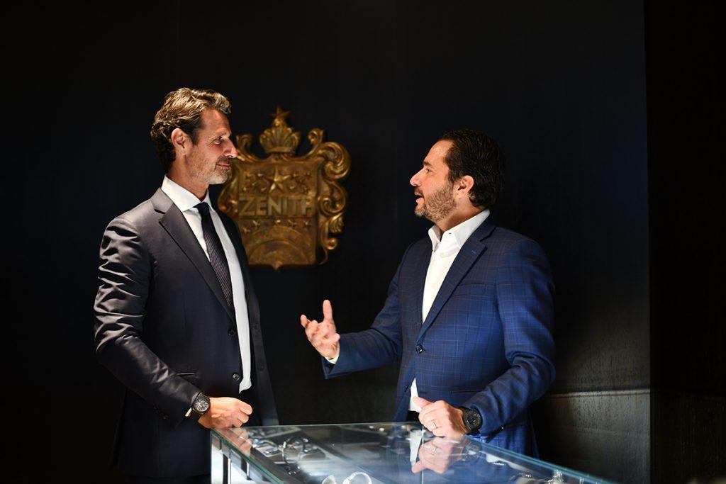 Tenisový trenér Patrick Mouratoglou a šéf značky Zenith Julien Tornare