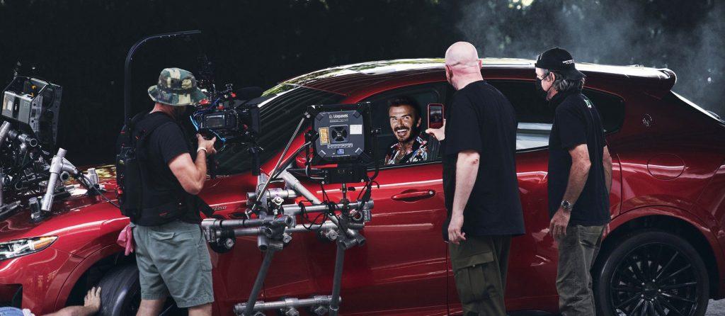 Nový ambasador Maserati David Beckham při natáčení reklamního spotu s modelem Levante Trofeo