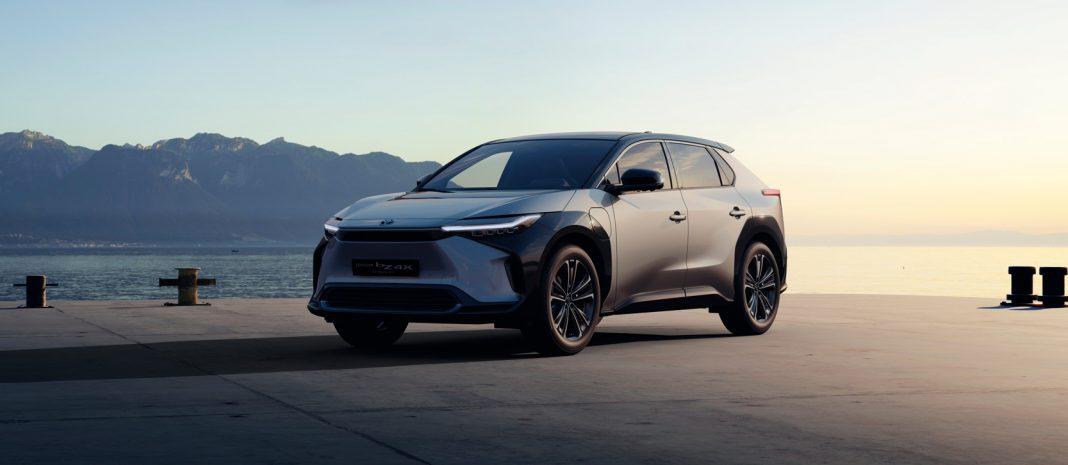 Studie elektrického SUV Toyota bZ4X, kterou automobilka představila na autosalonu v Šanghaji 2021